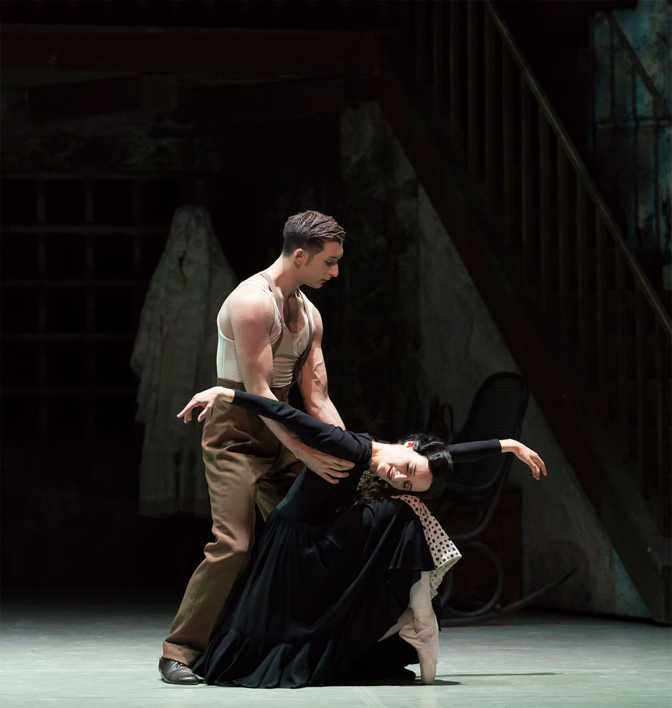Dreda Blow and Giuliano Contadini in Kenneth MacMillan's <I>Las Hermanas</I>.<br />© Emma Kauldhar. (Click image for larger version)