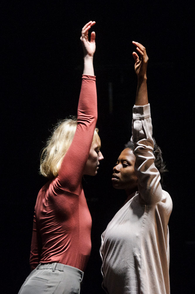 Hannah Burfield and Londiwe Khoza in Rays, Spark, Beating Glows.© Foteini Christofilopoulou. (Click image for larger version)