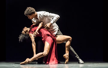 Carlos Acosta and Marta Ortega in Sidi Larbi Cherkaoui's Mermaid.© Johan Persson. (Click image for larger version)