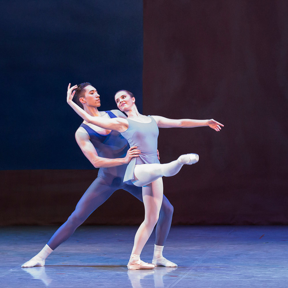 Alexander Yap and Dominique Larose in Kenneth MacMillan's <I>Concerto</I>.<br />© Lauren Godfrey. (Click image for larger version)