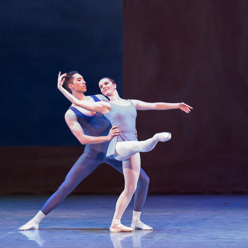 Alexander Yap and Dominique Larose in Kenneth MacMillan's <I>Concerto</I>.<br />© Lauren Godfrey. (Click image for larger version)