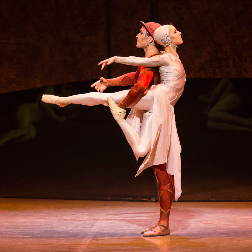 Javier Torres and Antoinette Brooks-Daw in Kenneth MacMillan's Gloria.© Lauren Godfrey. (Click image for larger version)