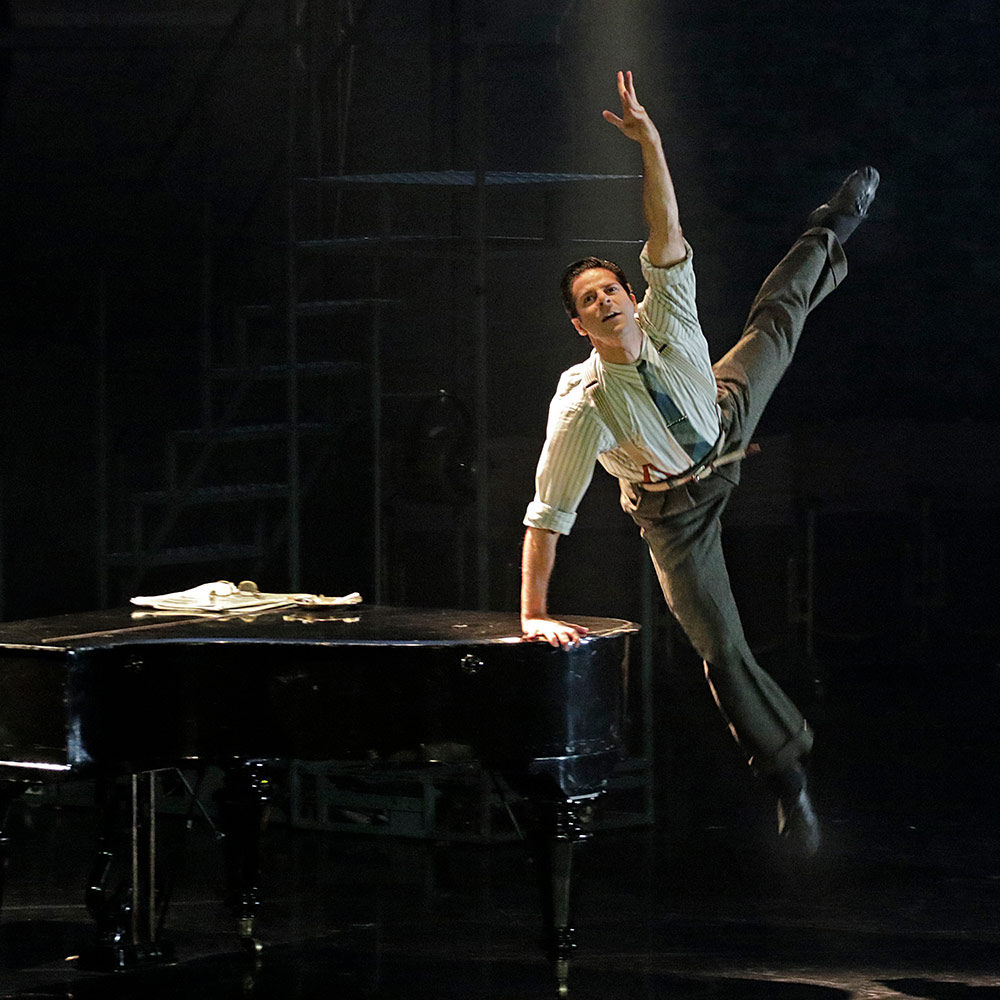 Marcelo Gomes in The Red Shoes.© Lawrence Ho. (Click image for larger version)