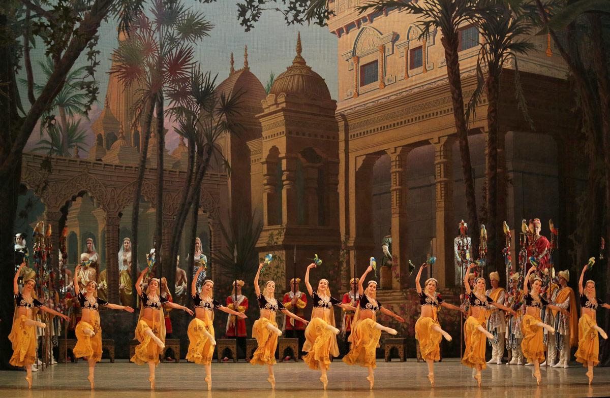 Mariinsky Ballet in La Bayadere.© Natasha Razina. (Click image for larger version)