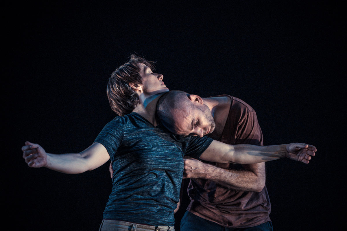 Christy Funsch and Nol Simonse in the beauty and ruin of friends, of bodies.© Robbie Sweeny. (Click image for larger version)