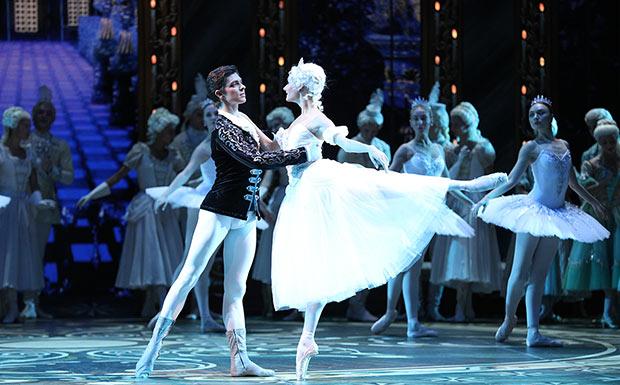 Anastasia Soboleva and Victor Lebedev in <I>Cinderella</I>.<br />© Stas Levshin. (Click image for larger version)