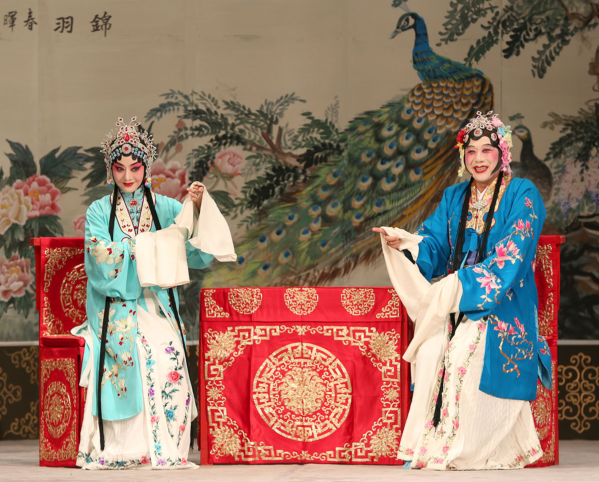 China National Peking Opera Company in The Phoenix Returns Home.© Sinolink Productions. (Click image for larger version)