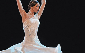 Svetlana Zakharova in Francesca da Rimini.© Dave Morgan. (Click image for larger version)