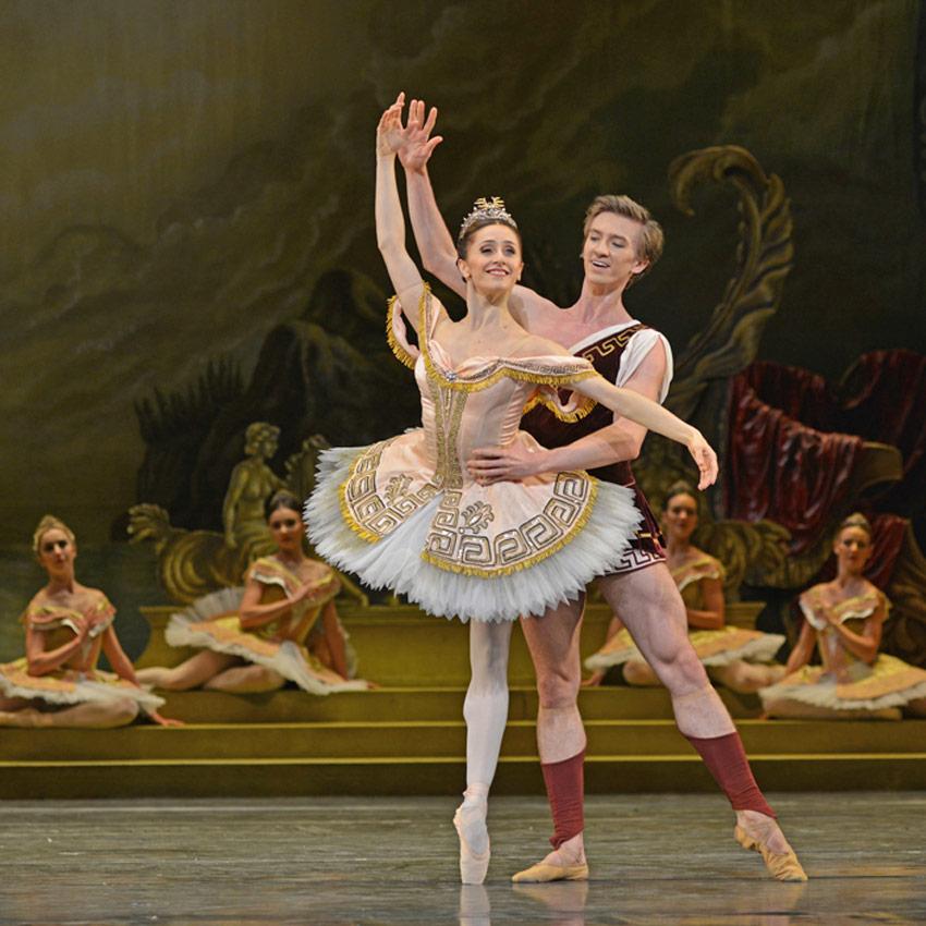Marianela Nunez and Vadim Muntagirov in Sylvia.© Dave Morgan, courtesy the Royal Opera House. (Click image for larger version)