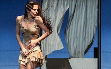 Natalia Osipova in Arthur Pita's The Wind.© Foteini Christofilopoulou, courtesy the Royal Opera House. (Click image for larger version)