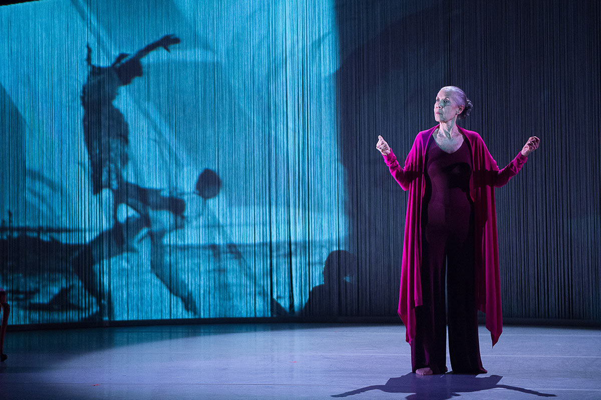 Carmen de Lavallade in her own show - As I Remember It.© Christopher Duggan. (Click image for larger version)