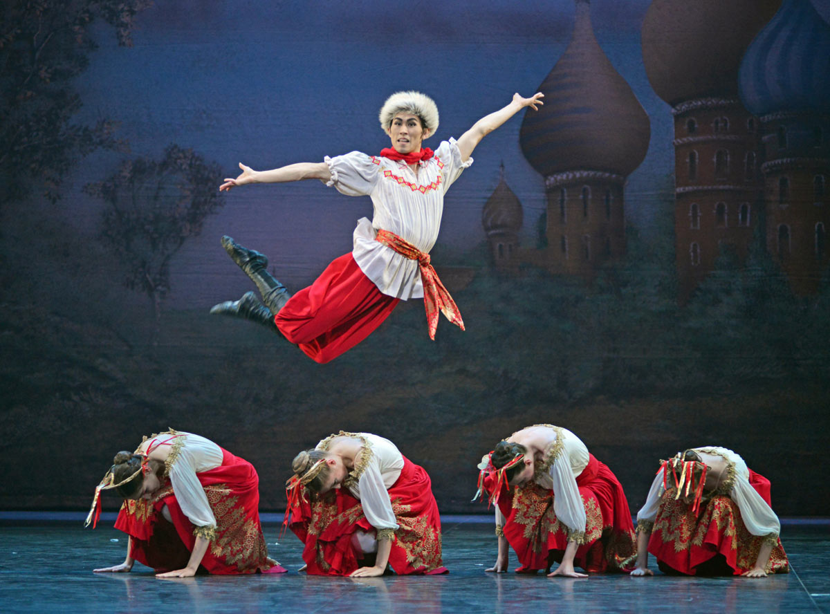 Ken Saruhashi in Nutcracker.© Dave Morgan. (Click image for larger version)