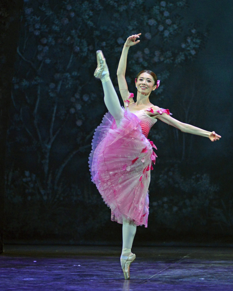 Senri Kou in Nutcracker.© Dave Morgan. (Click image for larger version)