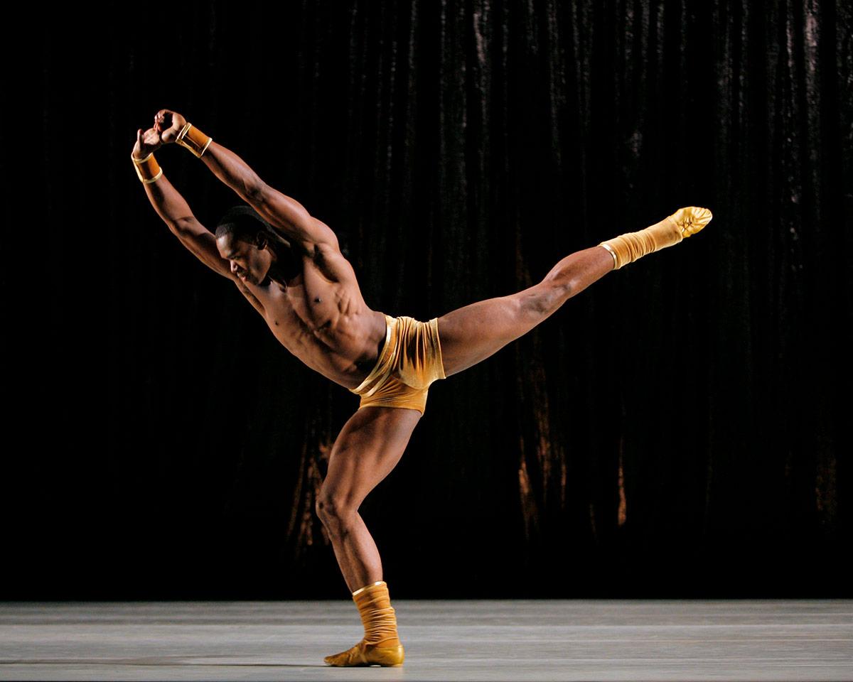 Jamar Roberts in Twyla Tharp's The Golden Section.© Paul Kolnik. (Click image for larger version)