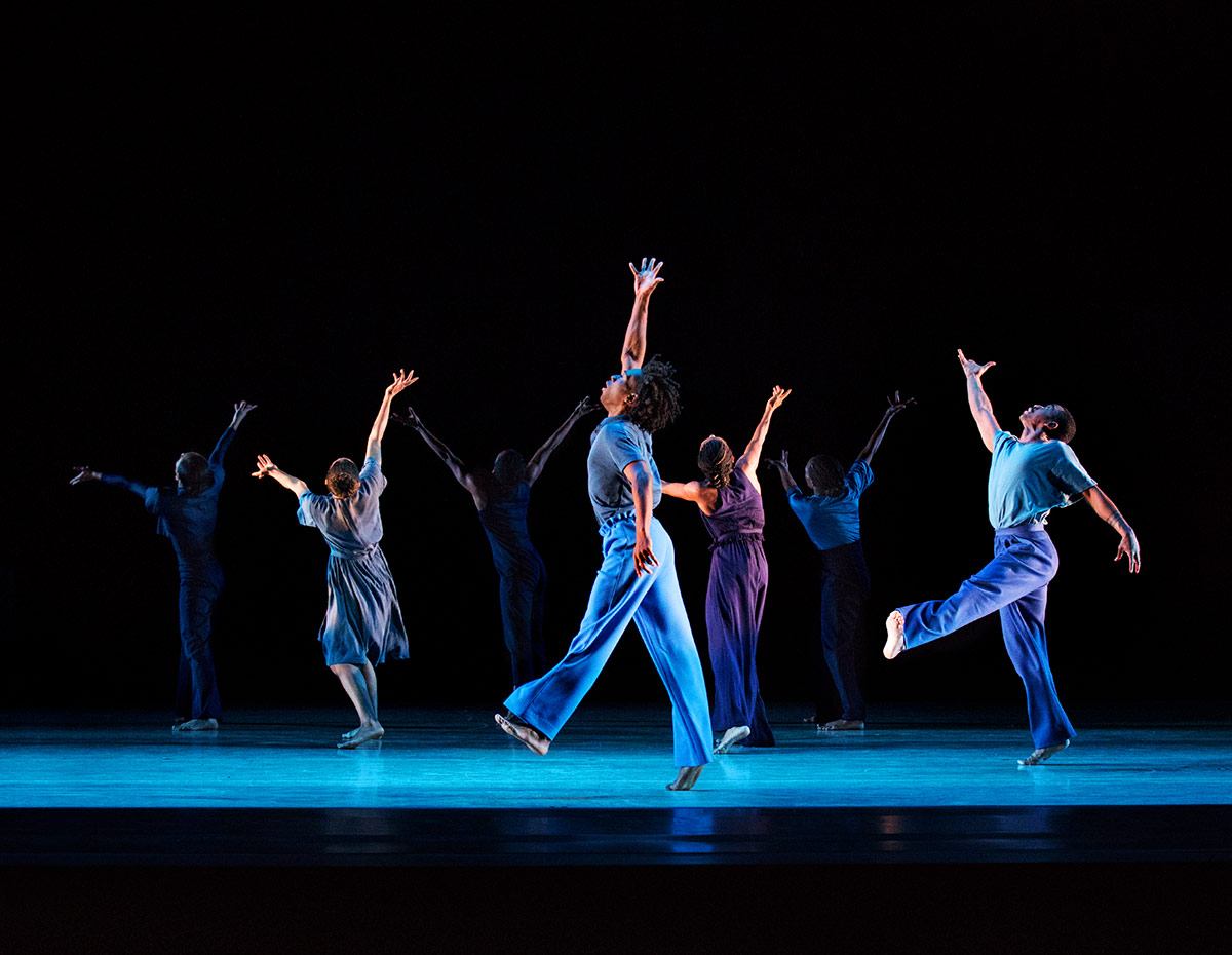 Alvin Ailey American Dance Theater in Jamar Roberts' Members Don't Get Weary.© Paul Kolnik. (Click image for larger version)