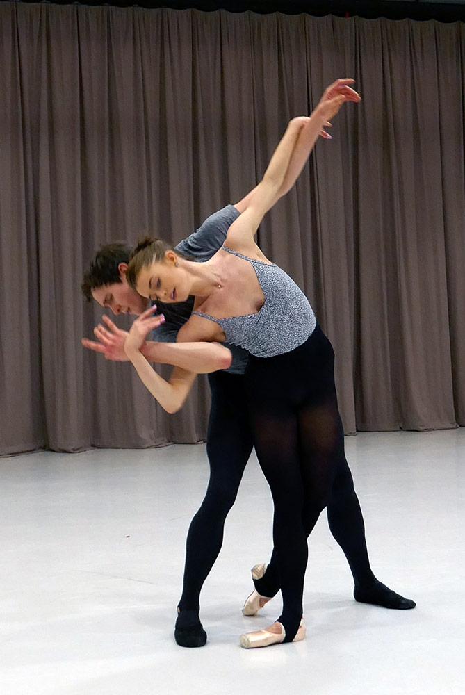 Le Rossignol masterclass: Anna Rose O'Sullivan and William Bracewell.© Rachel Thomas. (Click image for larger version)