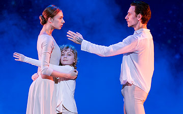 Ljiljana Velimirov, Tom Waddington & Sergei Polunin in Satori.© Tristram Kenton. (Click image for larger version)