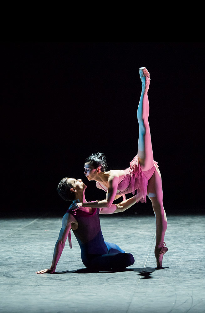 Sergei Polunin and Natalia Osipova in Scriabiniana.© Tristram Kenton. (Click image for larger version)