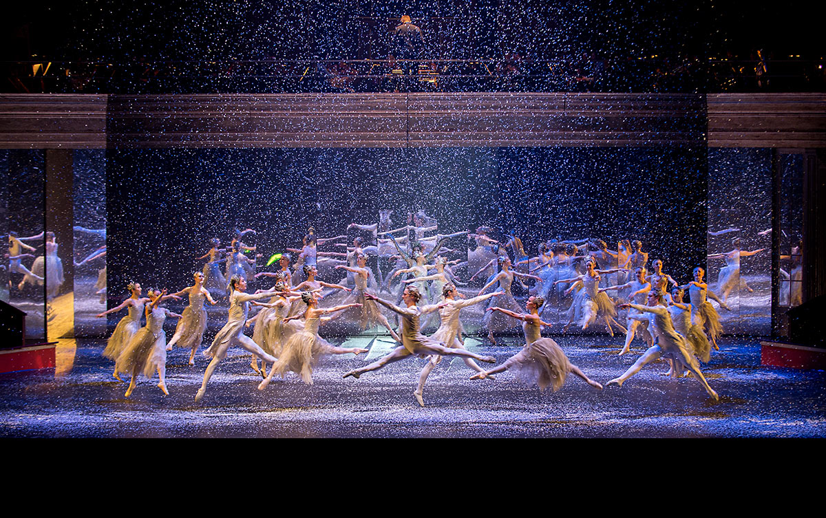 Birmingham Royal Ballet in <I>The Nutcracker</I>.<br />© Annabel Moeller. (Click image for larger version)
