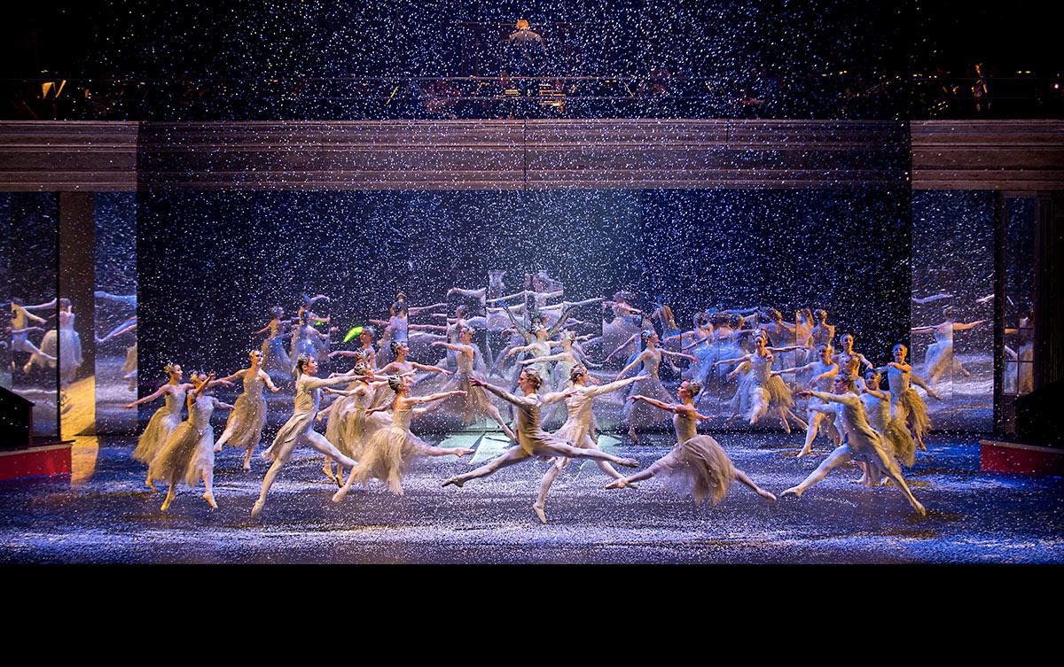 Birmingham Royal Ballet in <I>The Nutcracker</I>.<br />© Annabel Moeller. (Click image for larger version)