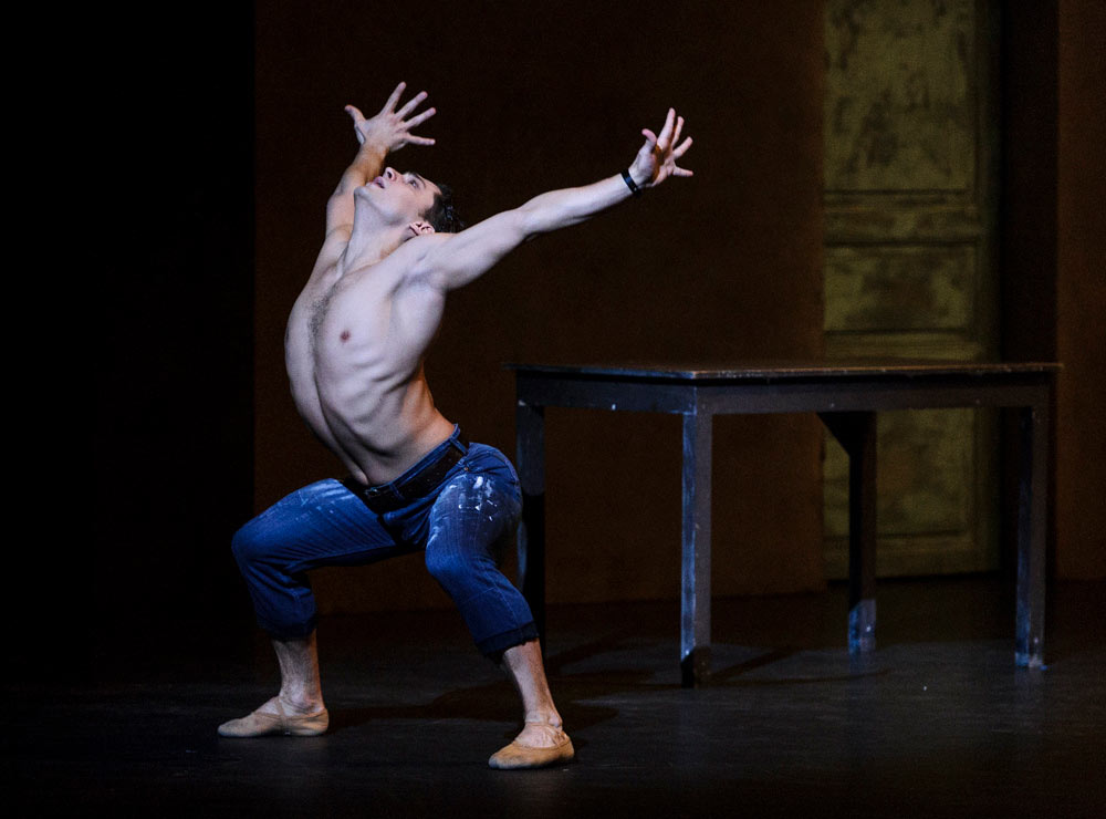 Ivan Vasiliev in Le Jeune Homme et la Mort.© Foteini Christofilopoulou. (Click image for larger version)