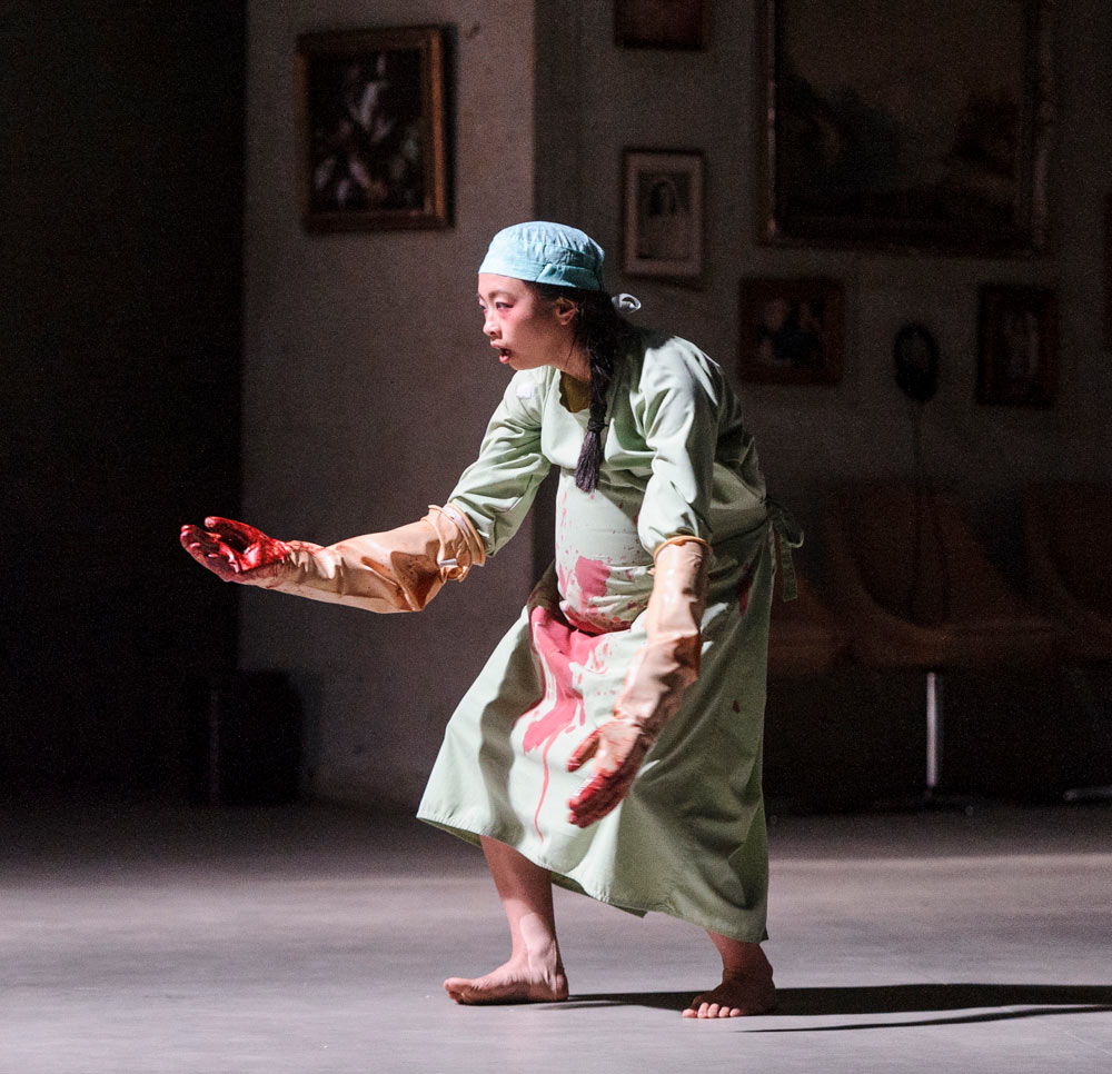 Yi-Chun Liu in Mother (Moeder).© Foteini Christofilopoulou. (Click image for larger version)