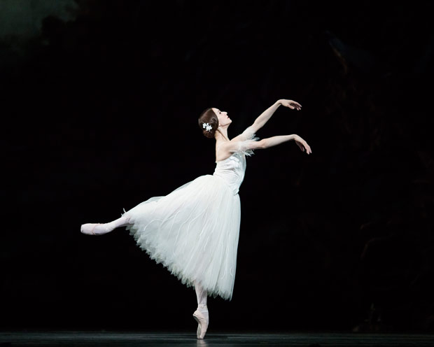 Marianela Nunez in <I>Giselle</I>.<br />© Helen Maybanks, courtesy the Royal Opera House. (Click image for larger version)