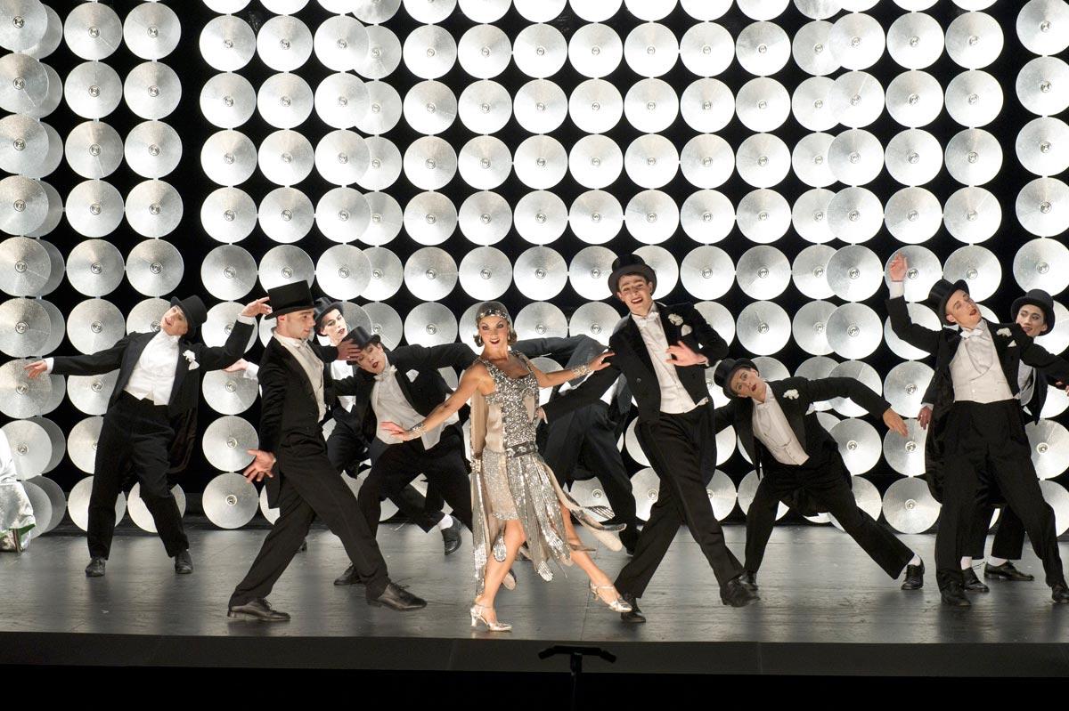 Ballet de Lorraine in Relâche.© Laurent Philippe. (Click image for full version)