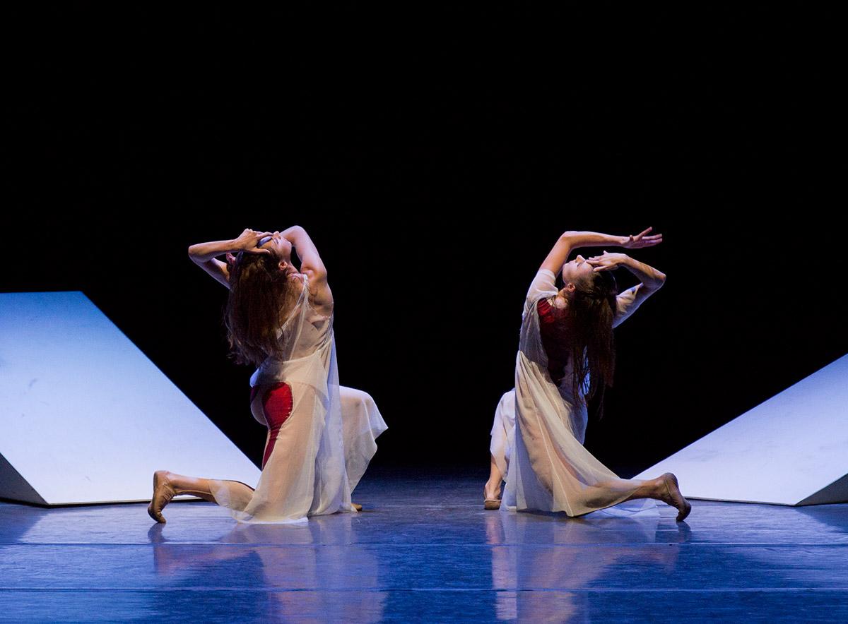 New York City Ballet in Angelin Preljocaj's Spectral Evidence.© Paul Kolnik. (Click image for larger version)