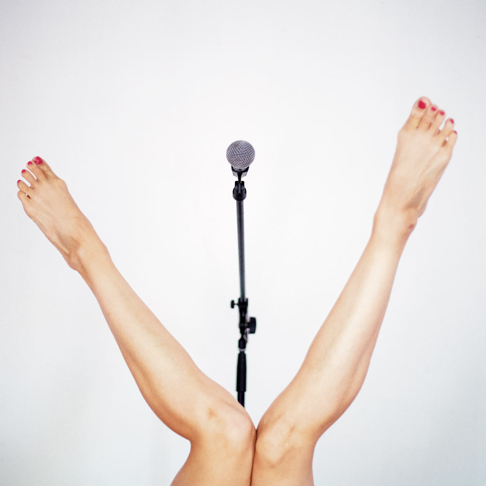 Irene Cioni's Standing Up publicity image.© Alex Parkinson. (Click image for larger version)