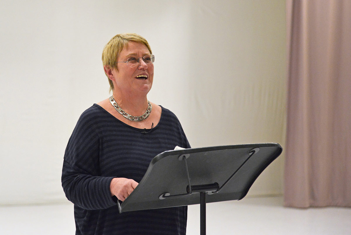 Jane Pritchard introducing the Ashton Foundation masterclass.© Dave Morgan. (Click image for larger version)