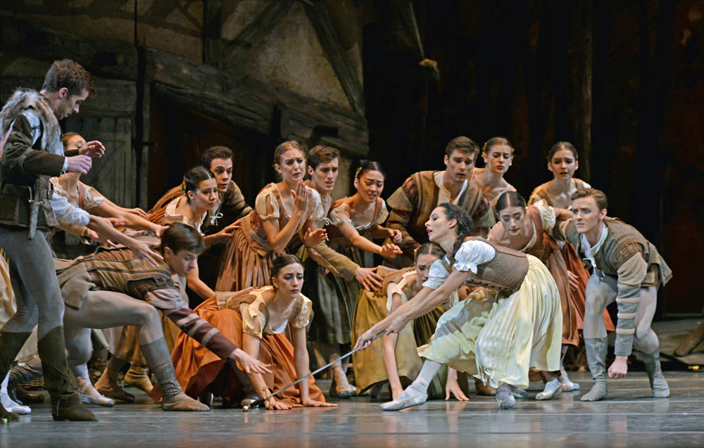 Francesca Hayward in <I>Giselle</I>.<br />© Dave Morgan, courtesy the Royal Opera House. (Click image for larger version)