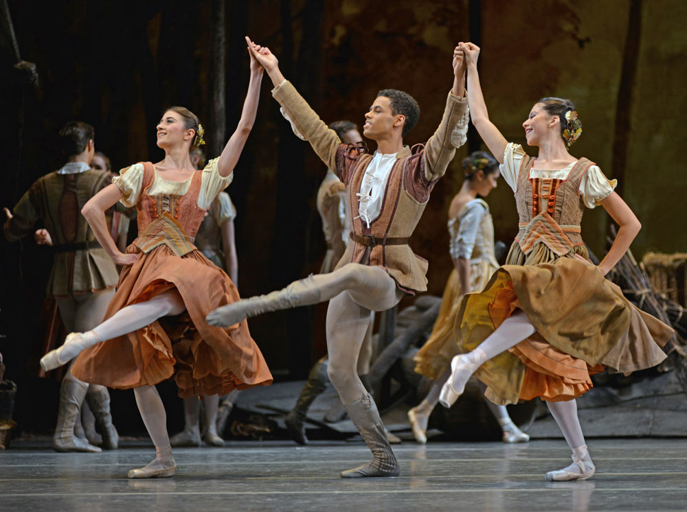 Hannah Grennell, Joseph Sissens and Leticia Dias in <I>Giselle</I>.<br />© Dave Morgan, courtesy the Royal Opera House. (Click image for larger version)
