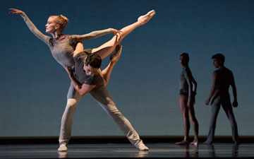 San Francisco Ballet in Thatcher's Ghost in the Machine.© Erik Tomasson. (Click image for larger version)