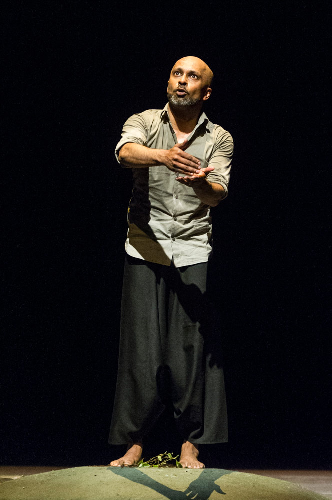 Akram Khan dancing in his own choreography - <I>DESH</I>.<br />© Foteini Christofilopoulou. (Click image for larger version)
