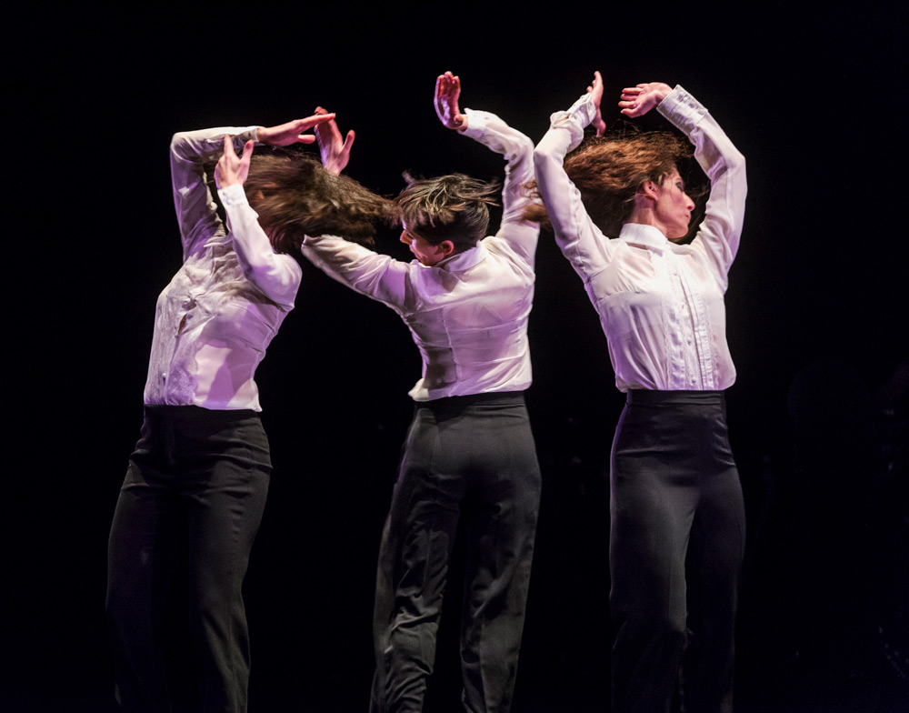 Úrsula López, Leonor Leal and Tamara López in Painter and Flamenco: J.R.T..© Foteini Christofilopoulou. (Click image for larger version)