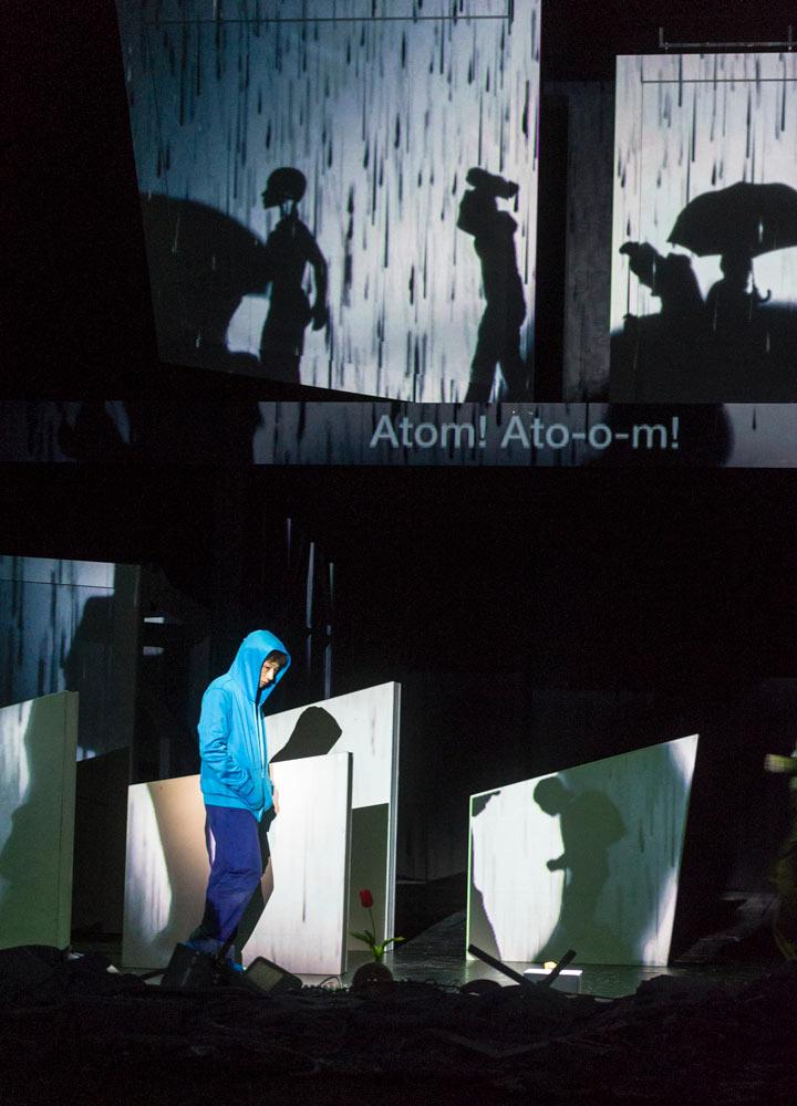 Sidi Larbi Cherkaoui/Bunkamura Theatre Cocoon's <I>Pluto</I>.<br />© Foteini Christofilopoulou. (Click image for larger version)