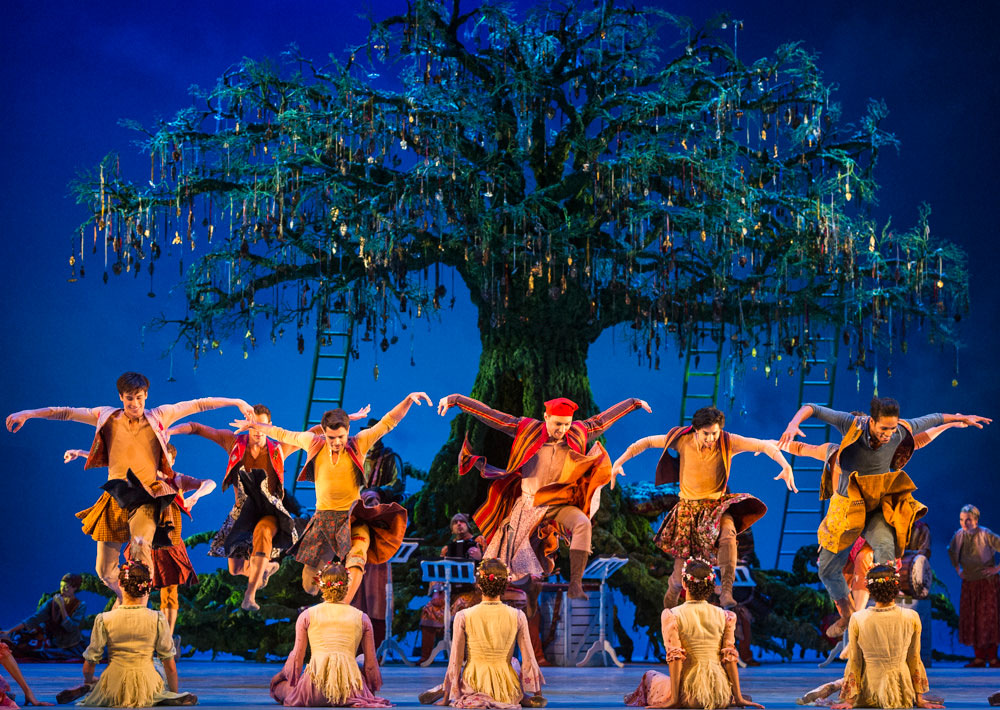 The Royal Ballet in The Winter's Tale.© Foteini Christofilopoulou, courtesy the Royal Opera House. (Click image for larger version)