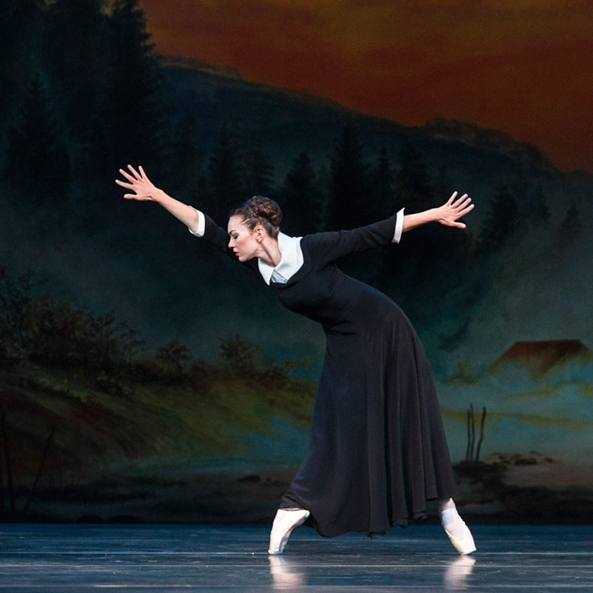 Tierney Heap in <I>The Winter's Tale</I>.<br />© Foteini Christofilopoulou, courtesy the Royal Opera House. (Click image for larger version)