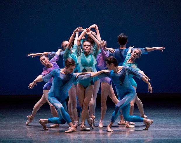 Lauren King in Peter Walker's <I>Dance Odyssey</I>.<br />© Paul Kolnik. (Click image for larger version)