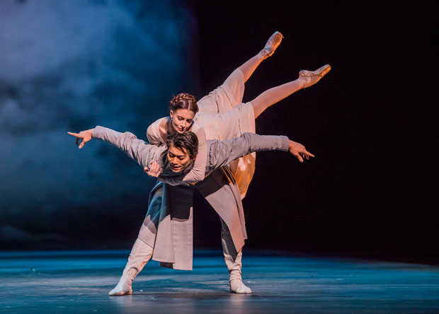 Ryoichi Hirano and Lauren Cuthbertson in The Winter's Tale.© Tristram Kenton, courtesy the Royal Opera House. (Click image for larger version)