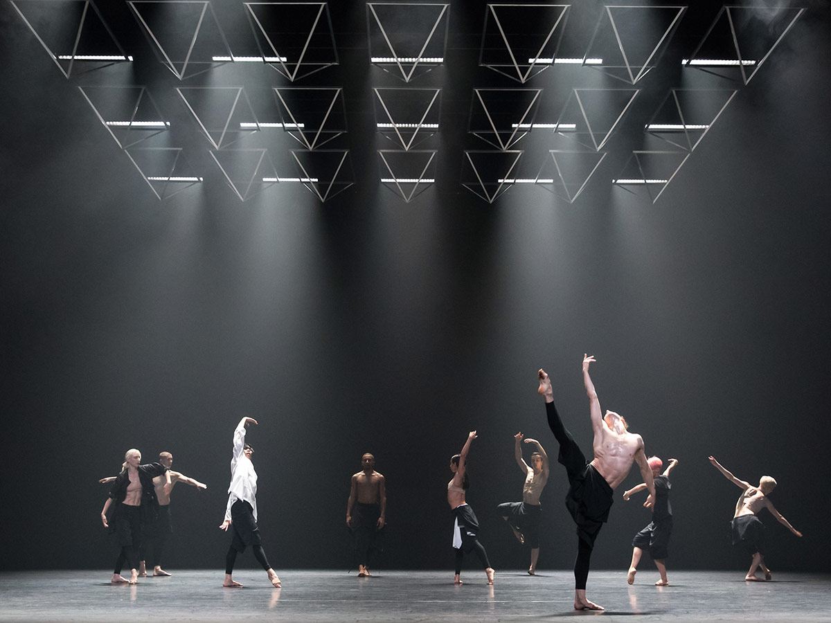 Company Wayne McGregor in Autobiography.© Andres Uspenski. (Click image for larger version)