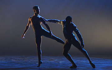 Ebony Thomas and Jose Alves in Arthur Pita's A Dream Within a Midsummer Night's Dream.© Dave Morgan. (Click image for larger version)