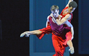 Calvin Richardson and Joseph Sissons in Wayne McGregor's Yugen.© Dave Morgan, courtesy the Royal Opera House. (Click image for larger version)