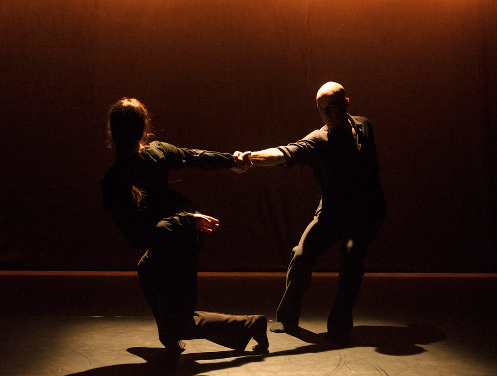 Dana Fouras & Russell Maliphant in Duet.© Foteini Christofilopoulou. (Click image for larger version)