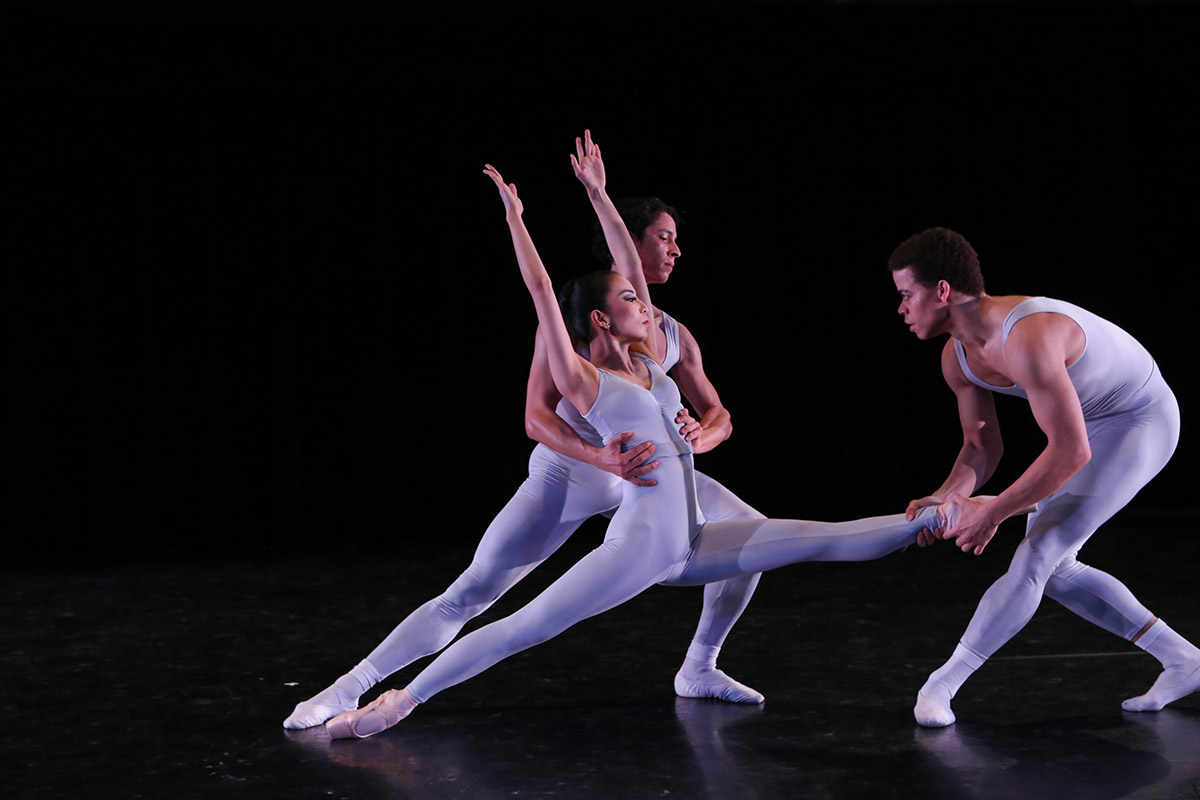 New York Theatre Ballet in Concertino.© Julie Lemberger. (Click image for larger version)