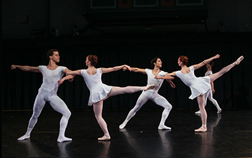New York Theatre Ballet in Septet.© Julie Lemberger. (Click image for larger version)