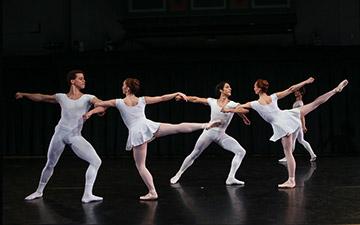 New York Theatre Ballet in Septet.© Julie Lemberger. (Click image for larger version)