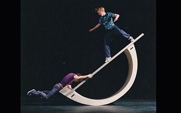 From 1998, Motionhouse in Faking It.© Chris Nash. (Click image for larger version)