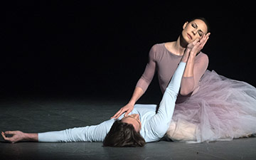 Maria Alexandrova and Vladislav Lantratov in Nureyev.© Marc Haegeman. (Click image for larger version)